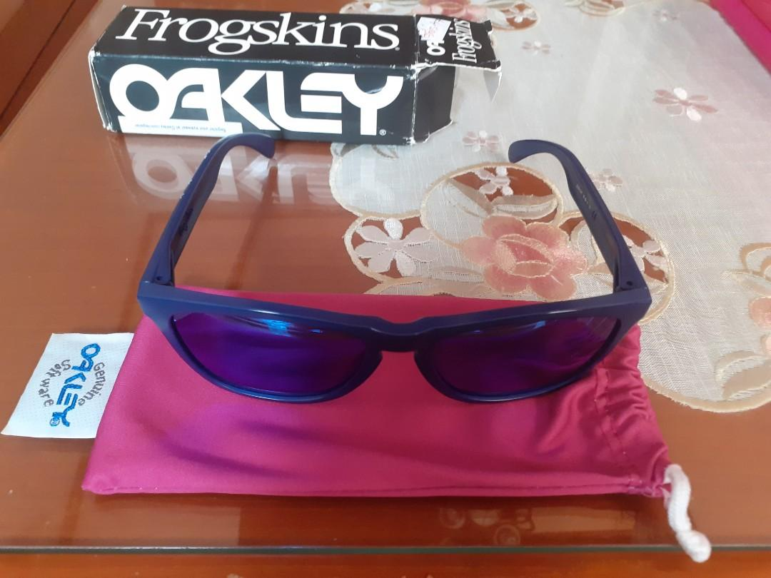 Kaca mata Oakley frogskin rarely used
