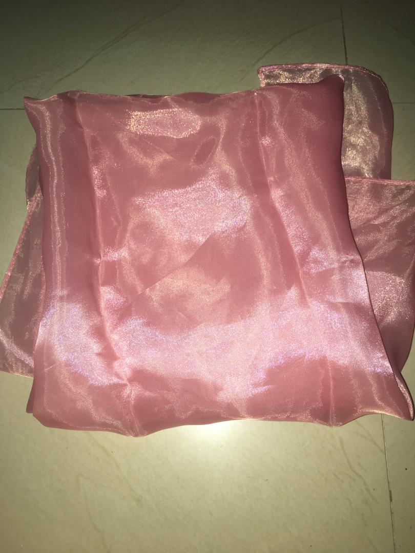 Kerudung organza segitifa pink