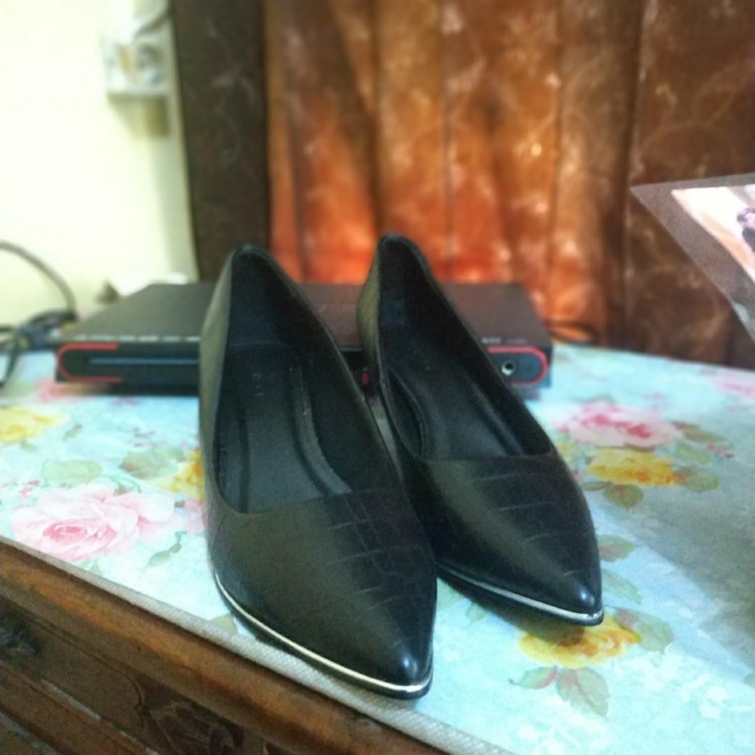 Preloved Sepatu Merk Vincci Original no. 39.5