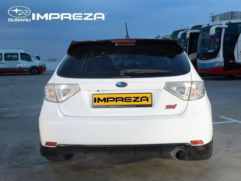 Subaru Impreza 1.5 R 5-Dr Manual