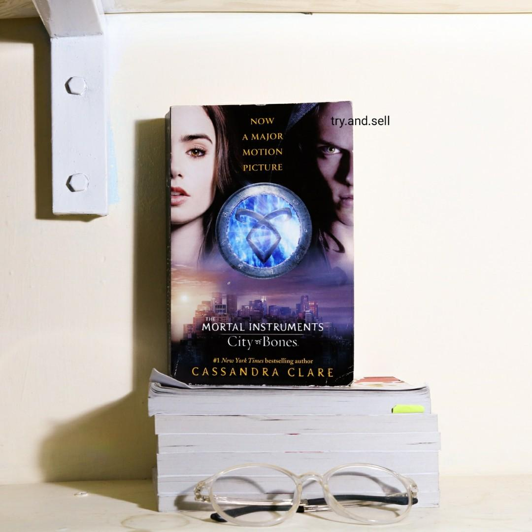 The Mortal Instruments City of Bones by Cassandra Clare (ENGLISH NOVEL)