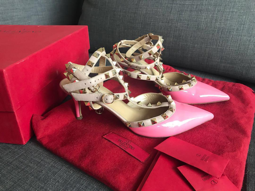 Valentino Classic Collection Rockstud Pump Pink Heels