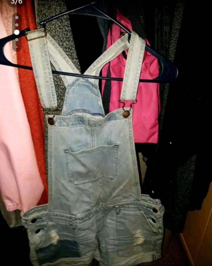 Women's/Junior's Clothing Lot (Hollister Forever 21 e.t.c)