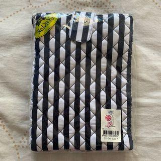 🚚 BN Naraya iPad Case