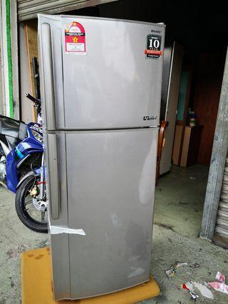 Peti sejuk fridge sharp