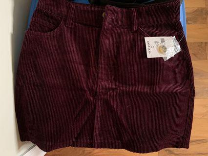 NEW burgundy SMALL corduroy skirt (from F21)
