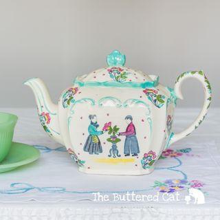 Hand-painted vintage Sadler cube-shaped teapot, art deco, chinoiserie