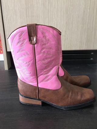 Cowboy boots size 3.5