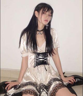 🚚 暗黑Lolita 法式泡泡袖綁帶連衣裙