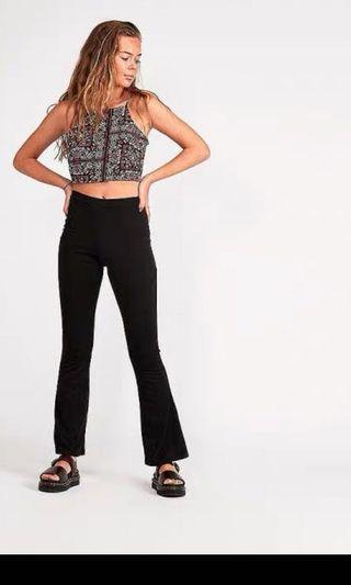 🚚 Black flared trousers