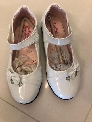 🚚 Good Condition White Shoes