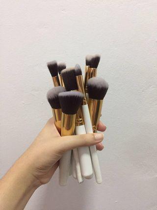 (INC POSTAGE) Makeup Brush