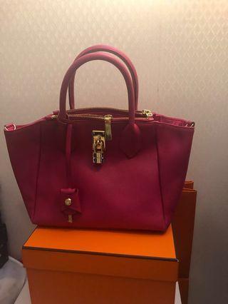 🚚 Samantha thavasa bag
