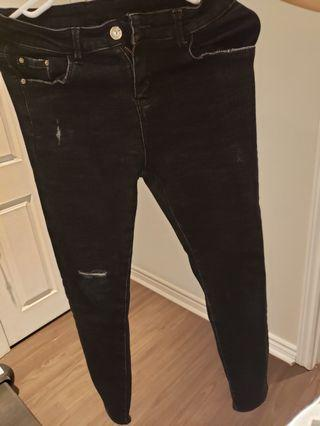No brand black ripped jeans size 29
