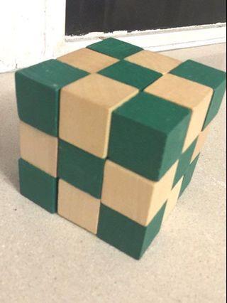 Cube figure