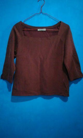 Baju atasan maroon