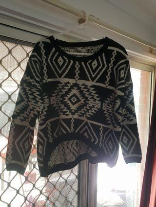 Vintage black and white knit jumper