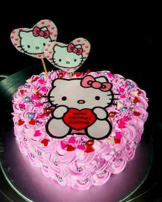 🚚 Heart shape cake