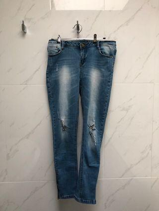 [VALLEYGIRL] Ripped Jeans with Zipper Sides
