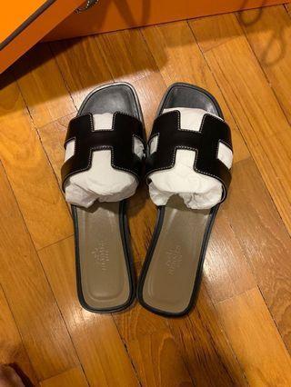 hermès oran sandals - black size eu 37.5 new