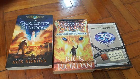 🚚 Rick Riordan books