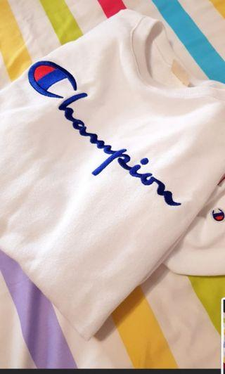 🚚 BRAND NEW champion sweatshirt (Unisex)