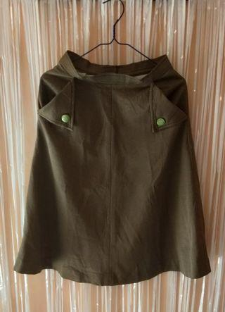 Brown square skirt