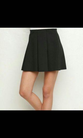 🚚 Brandy Melville Jacy Skirt