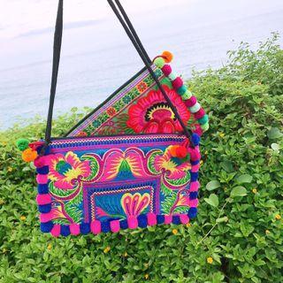 🚚 泰國製💕民族風刺繡毛球包