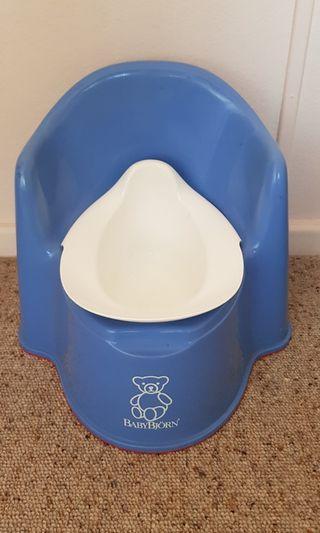 Baby Bjorn potty chair - bue