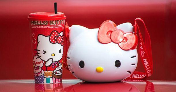 🚚 Hello Kitty popcorn bucket