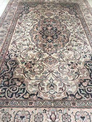 🚚 Persian Carpet