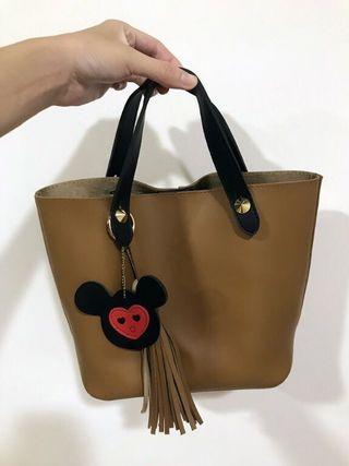 【全新】吊飾兩用咖啡色手提小包包 側背包