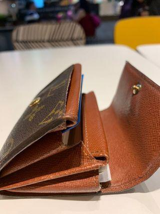 🚚 Aunthentic LV Small Wallet/ Card Holder
