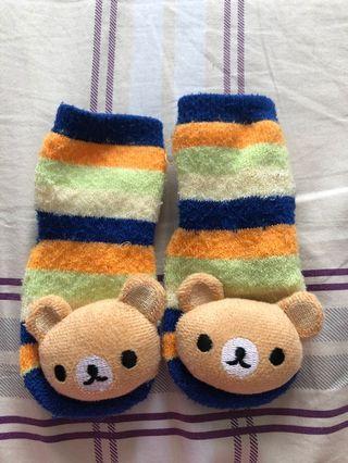Anti-skid baby socks with bear head rattle