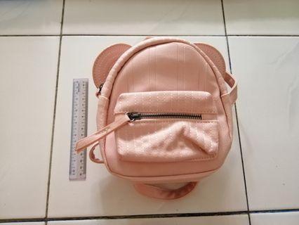 Girl's pink bag