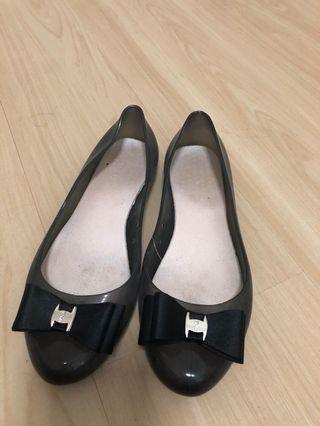 🚚 Black Jelly Flats with Ribbon Bow