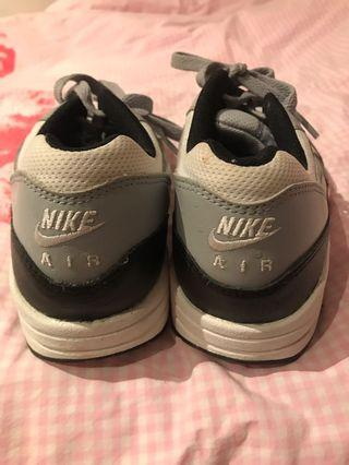 Nike trainers size 38