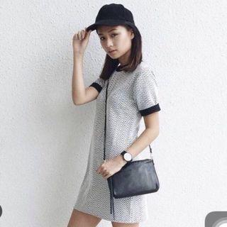 🚚 TEM zig zag pattern monochrome shift dress