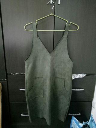 麂皮墨綠吊帶裙