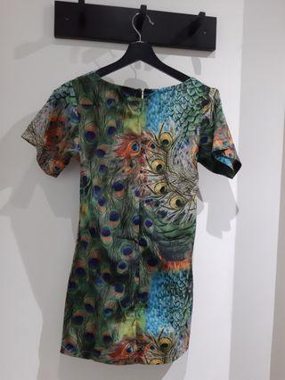 🚚 Peacoak print mini dress