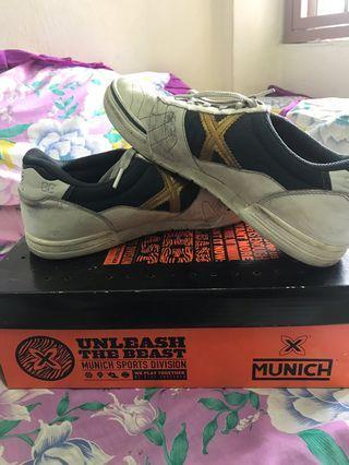 X munich futsal shoe