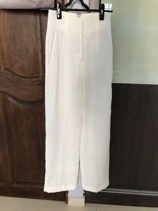 Love bonito white pants