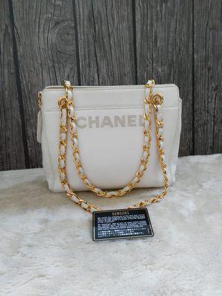 Chanel tote white cav ghw 22x20cm seri 5 (card,holo,db)