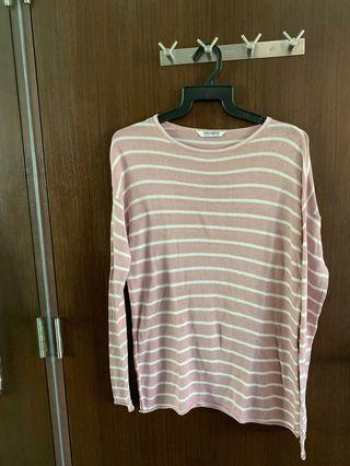 🚚 Pull & bear pink and white striped Pullover