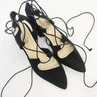 SUSTO Pointed heels (SIZE 7)