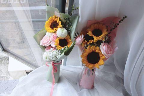 🚚 *CherishFlorist* Sunflower arrangement for your dearest