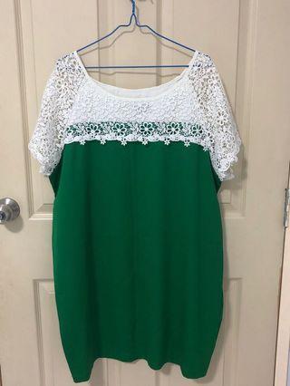 Brand new green dress with lace (XXXL)
