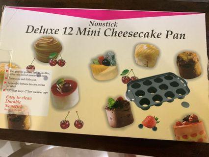 12 mini deluxe cheesecake pan