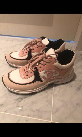 🚚 Chanel sneakers